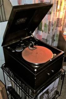 1916 RCA Crank Victrola
