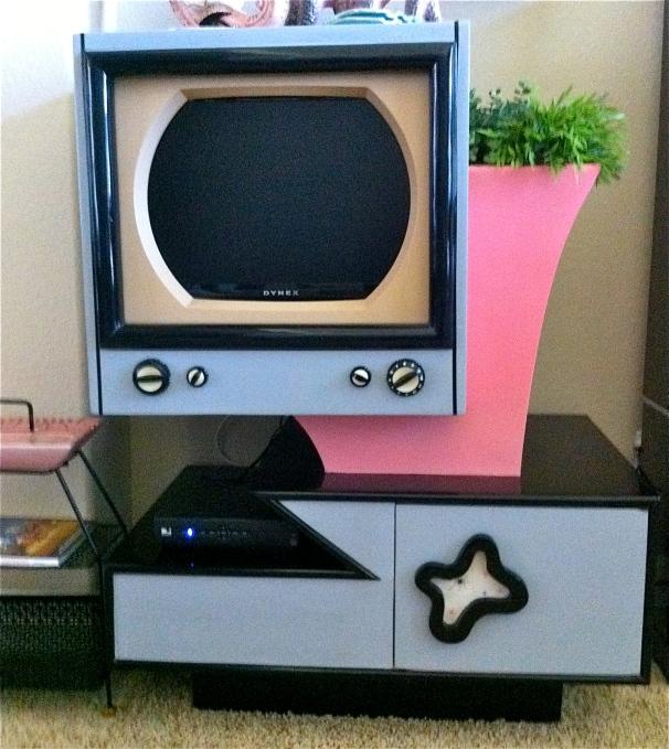 Ultra Atomic TV