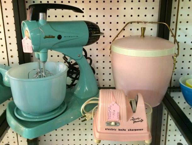 Aqua Sunbeam Mixer, Pink Ice Bucket & Pink Knife Sharpener