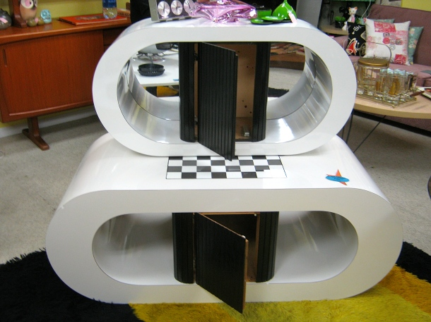 Space Age Table Set