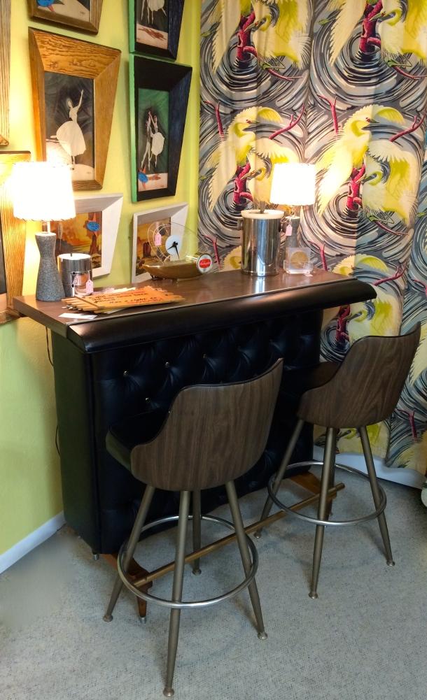 Swanky Bar w/ 2 Stools