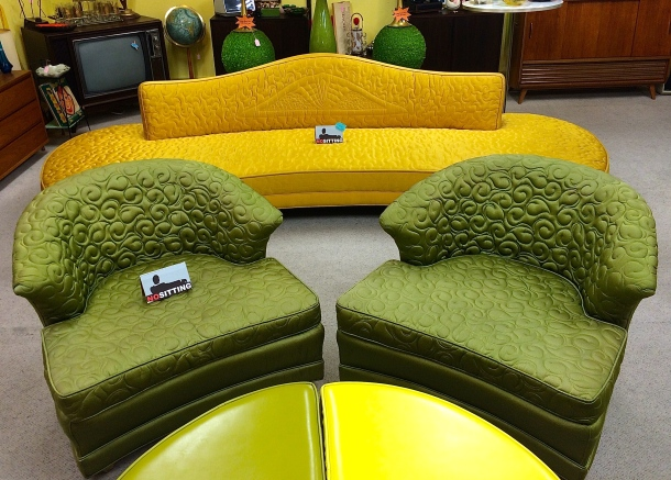 Amazing 3 pc Mid Century Sofa & Chair Set