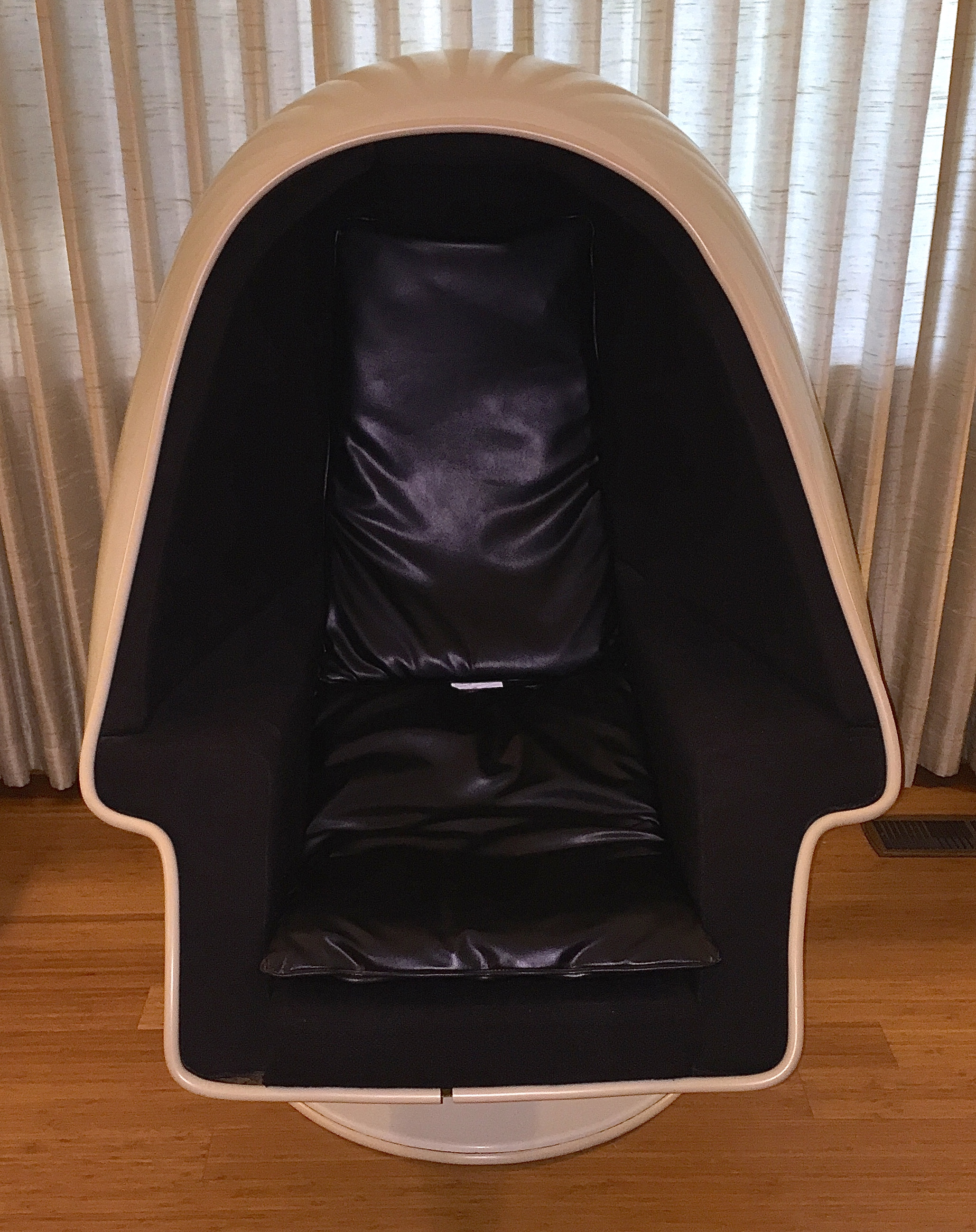 Space Age Pod Stereo Chair Hepcats Haven