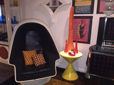 Mod Lighted End Table
